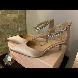 Badgley Mischka Robles heels
